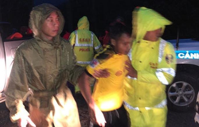 Khẩn cấp cứu 30 người mất tích ở Rào Trăng 3