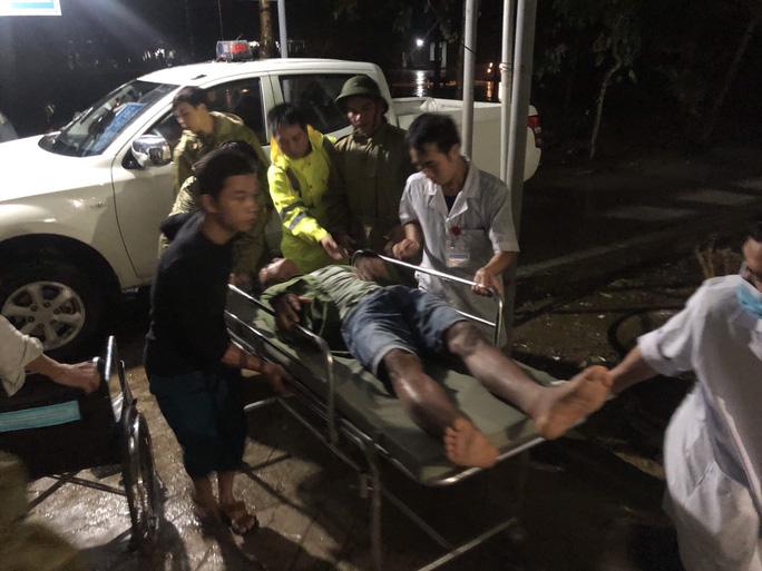 5 người đưa về từ Thủy điện Rào Trăng 4 sức khỏe ổn định - Ảnh 2.