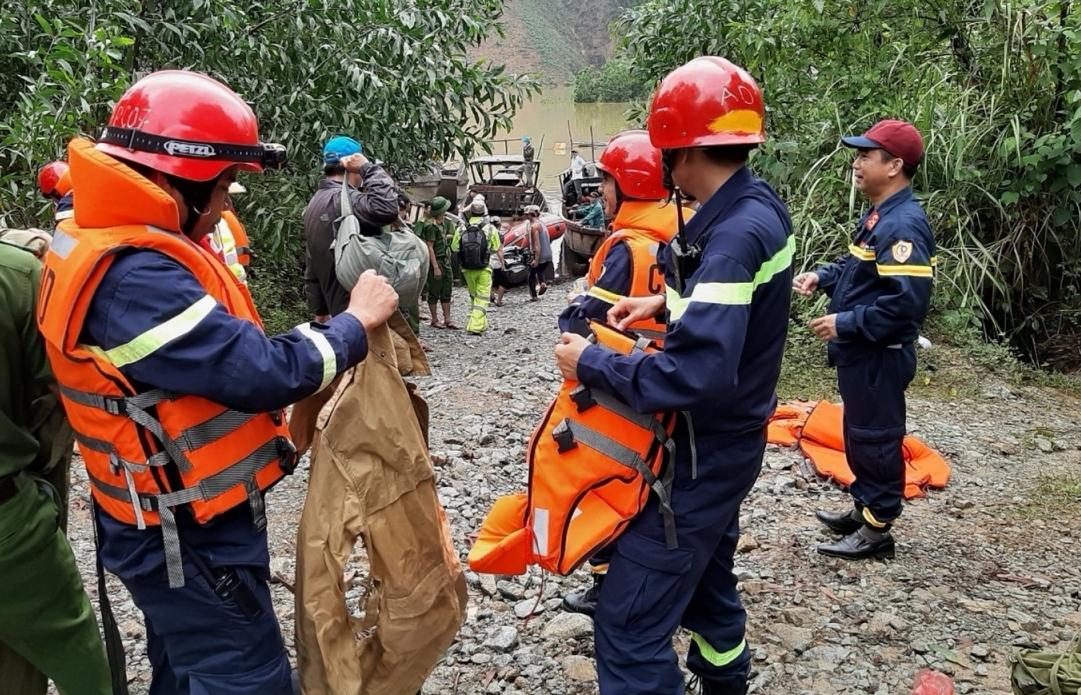 Vẫn còn 16 người ở Thủy điện Rào Trăng 3 mất tích