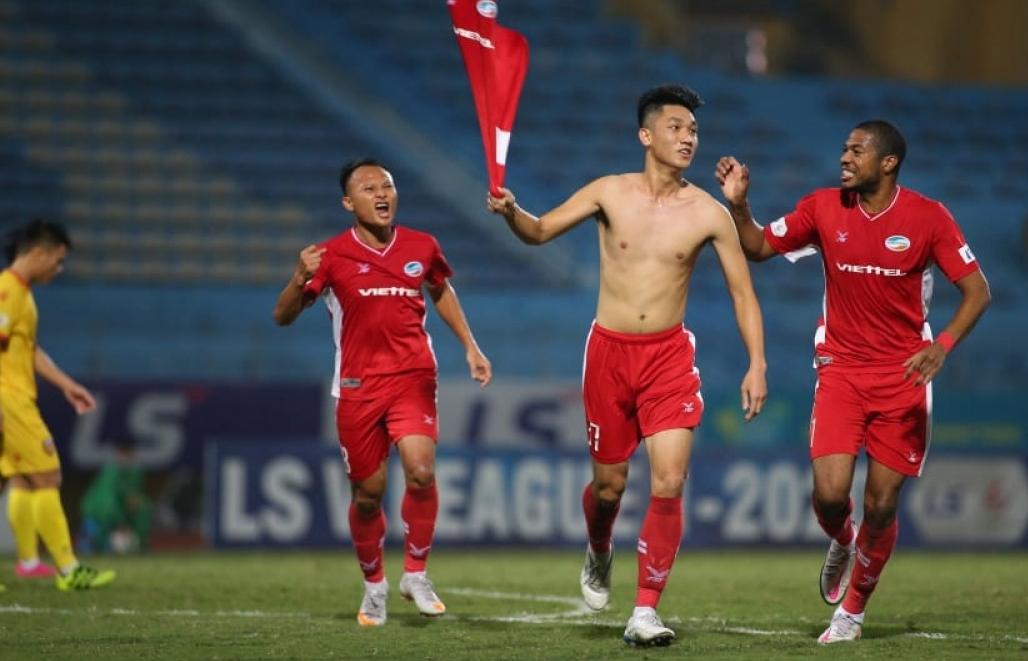 """""""Người hùng"""" Trọng Đại nói gì khi giúp Viettel tiến sát chức vô địch V-League 2020?"""