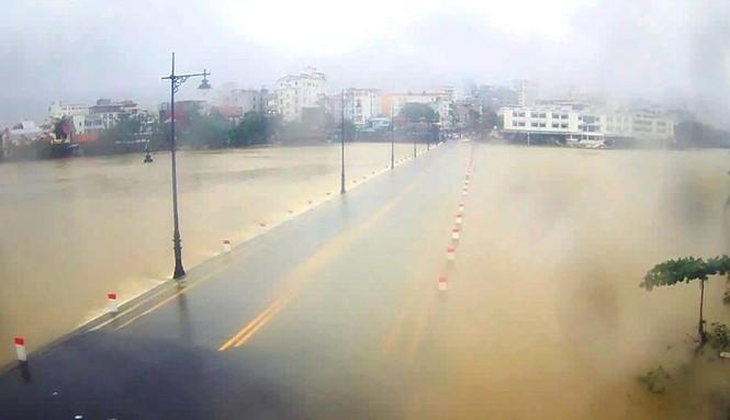 Thừa Thiên Huế: Mưa lớn diện rộng, nhiều nơi tái ngập lụt và sạt lở đất - ảnh 1