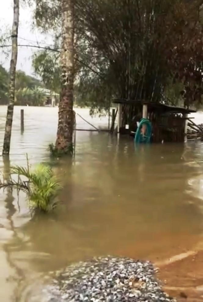 Thừa Thiên Huế: Mưa lớn diện rộng, nhiều nơi tái ngập lụt và sạt lở đất - ảnh 5