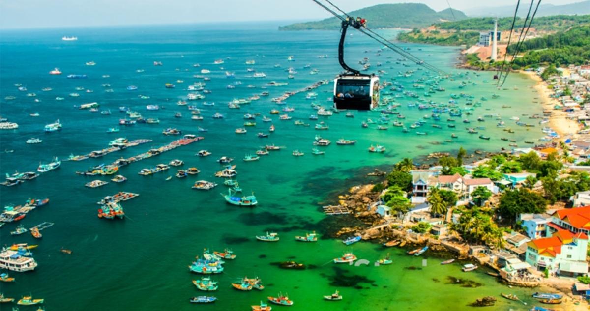 Phong cảnh Phú Quốc nhìn từ cáp treo Hòn Thơm