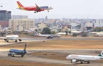 Thị trường hàng không:  Thêm nhiều đôi cánh, hạ tầng có
