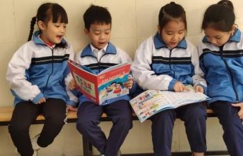 Chạy đua quảng bá sách giáo khoa mới  để giành thị phần