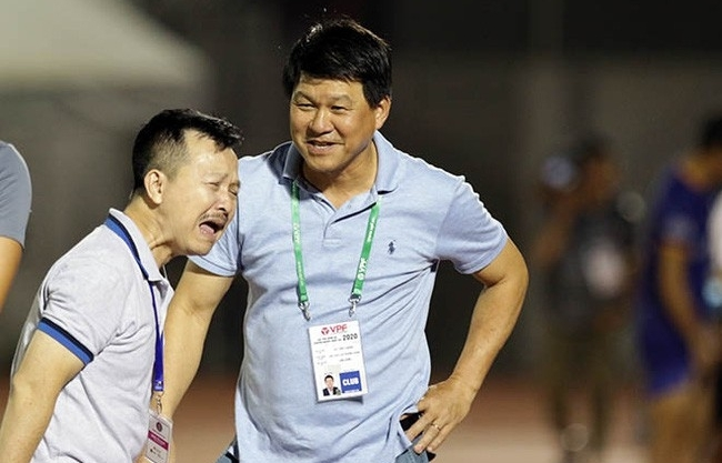 Lại thêm một CLB tố HLV Vũ Tiến Thành 'đi đêm' với cầu thủ