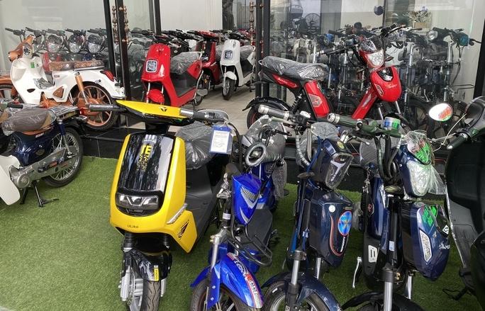 Thị trường xe máy điện thêm ảm đạm