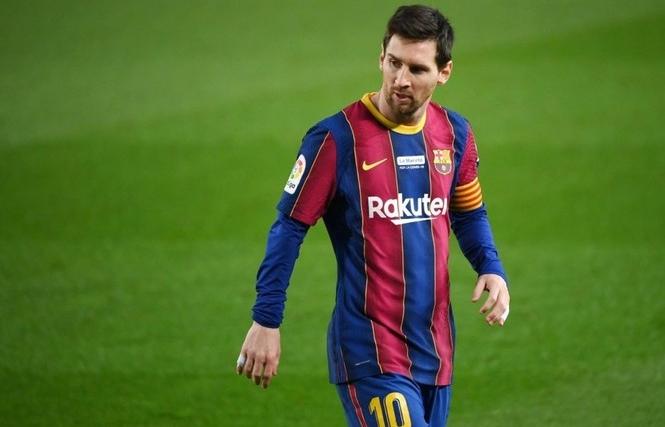 Lionel Messi sánh ngang