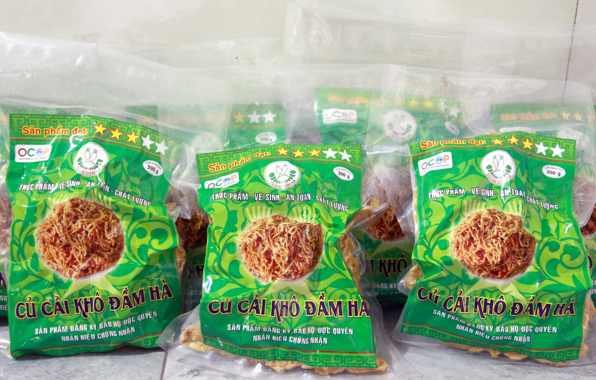 Sản phẩm củ cải khô Đầm Hà được đóng gói 300g.