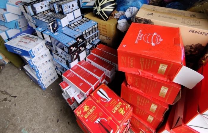 Đà Nẵng: Tạm giữ 1.400 sản phẩm hàng tiêu dùng do Trung Quốc sản xuất