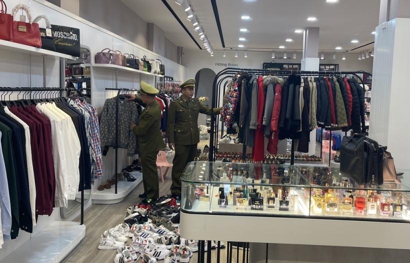 Quảng Ninh: Tạm giữ hàng có dấu hiệu nhập lậu hơn 1,5 tỷ đồng