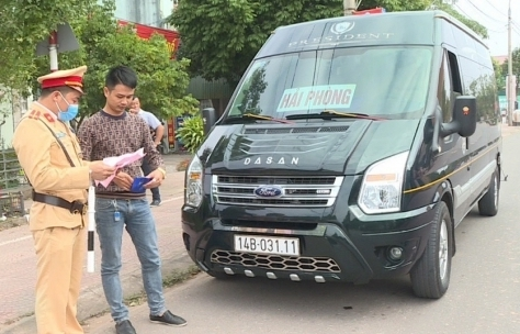Quảng Ninh: Tạm dừng hoạt động vận tải khách đường bộ, đường thủy