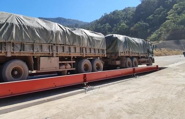 Hơn 135.000 tấn hàng hóa xuất nhập khẩu qua cửa khẩu Cha Lo