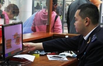 """Quảng Ninh """"siết"""" quản lý hàng hóa mua bán, trao đổi của cư dân biên giới"""