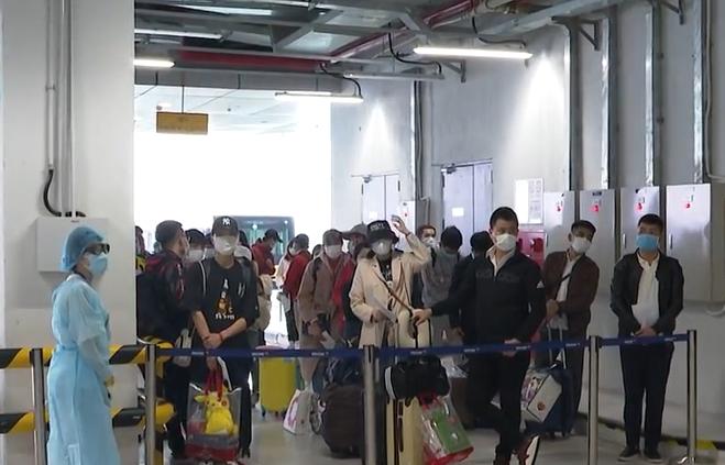 Cách ly 195 hành khách Việt Nam trở về từ Nhật Bản