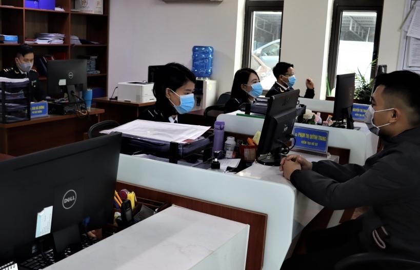Hải quan Cẩm Phả: Hỗ trợ doanh nghiệp để tăng thu ngân sách