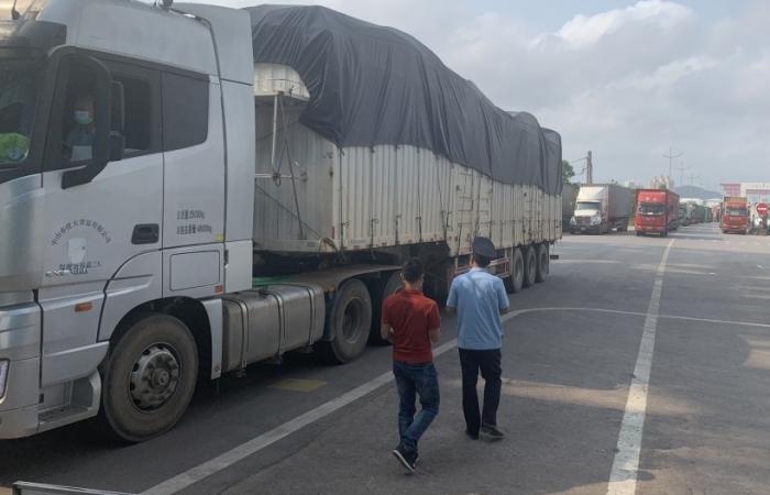 Hơn 1,1 tỷ đô hàng xuất nhập khẩu qua cầu Bắc Luân II, Móng Cái