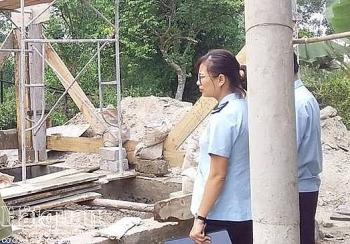 Công chức Hải quan Quảng Bình tham gia ủng hộ gia đình có hoàn cảnh khó khăn