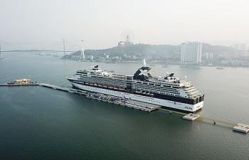 Hơn 55.000 lượt hành khách xuất nhập cảnh qua Cảng khách quốc tế Hòn Gai