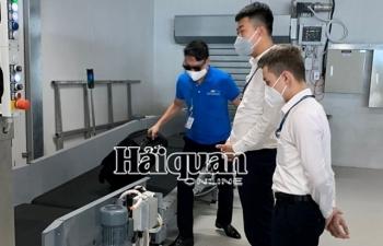 Hải quan sân bay Vân Đồn làm thủ tục cho 31 chuyến bay từ vùng dịch