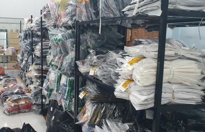 Tạm giữ 7.000 sản phẩm mỹ phẩm, quần áo có dấu hiệu nhập lậu
