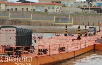 Điều chỉnh hoạt động quản lý xuất nhập cảnh tại khu vực cầu Phao, Móng Cái