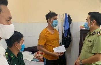 Thăm hỏi cán bộ, chiến sỹ bị thương khi làm nhiệm vụ chống buôn lậu tại Kiên Giang
