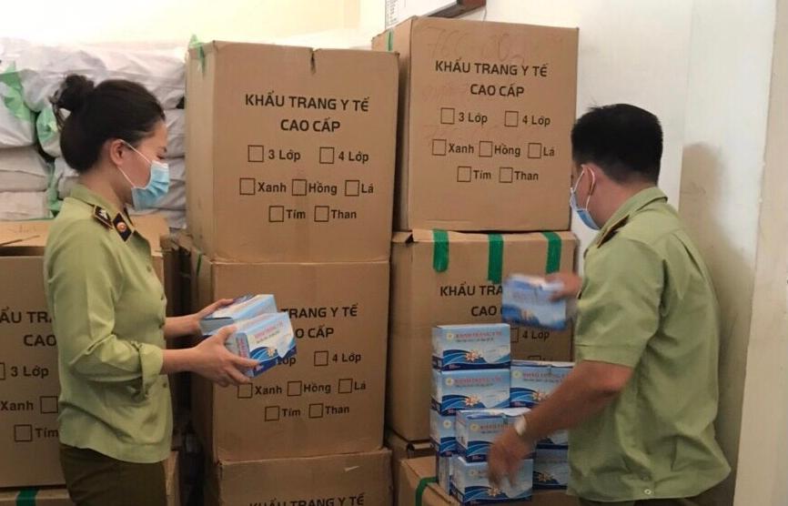 Phú Yên: Phát hiện xe tải vận chuyển 48.500 khẩu trang y tế không rõ nguồn gốc