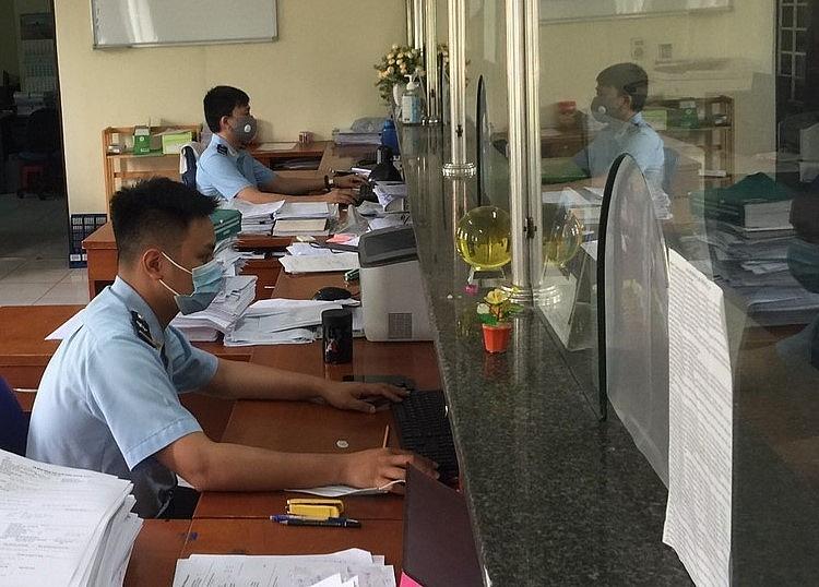 Hoạt động nghiệp vụ tại Chi cục Hải quan Bắc Ninh sáng 18/5.