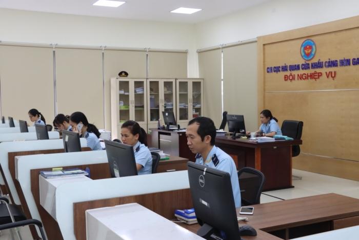 Lượng tờ khai tại Hải quan Quảng Ninh giảm 18,4%