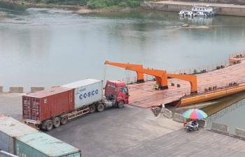 Tháng 5, xuất khẩu 286 tấn thanh long qua cầu phao Km 3+4, Móng Cái