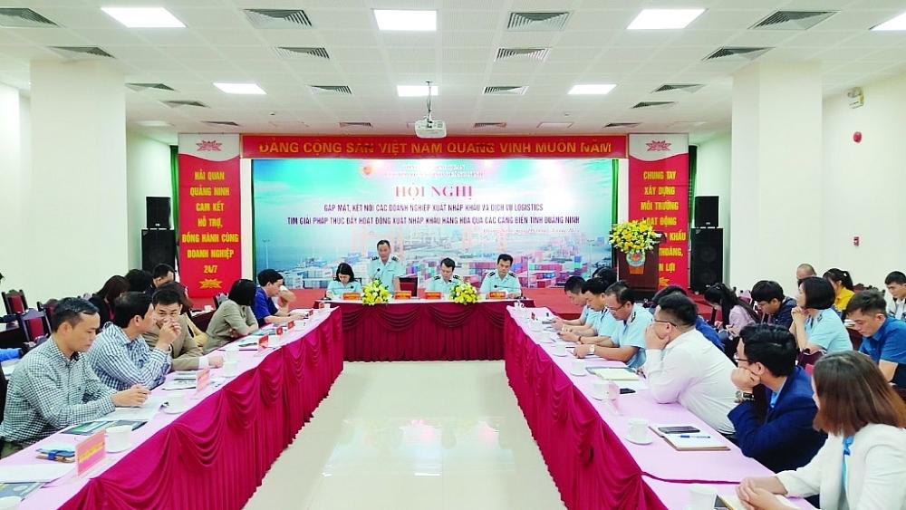 Hội nghị gặp mặt, kết nối các doanh nghiệp XNK và dịch vụ logistics tìm giải pháp thúc đẩy hoạt động XNK hàng hóa qua các cảng biển do Cục Hải quan Quảng Ninh tổ chức ngày 9/4/2021. Ảnh: Q.Hùng