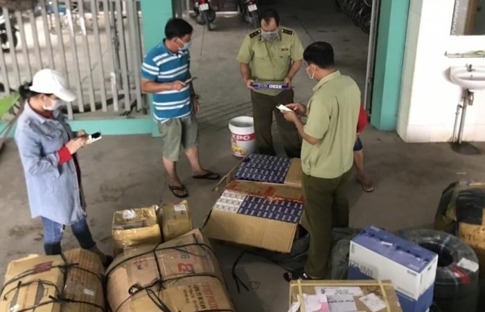 Phát hiện xe tải vận chuyển 1.400 bao thuốc lá nhập lậu