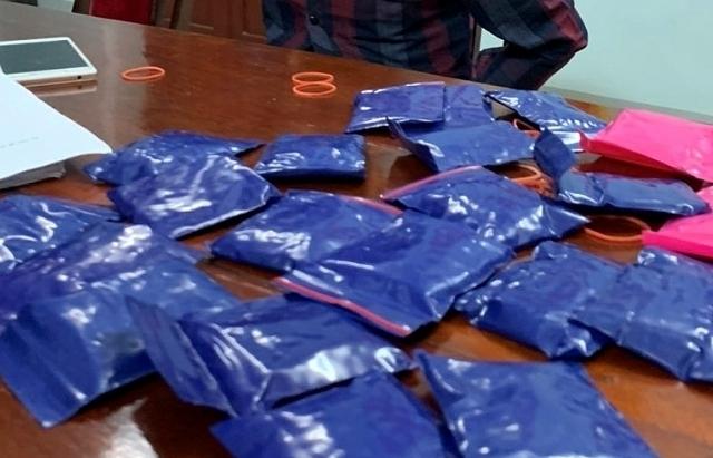 Hải quan Điện Biên phối hợp bắt 2.000 viên ma túy tổng hợp