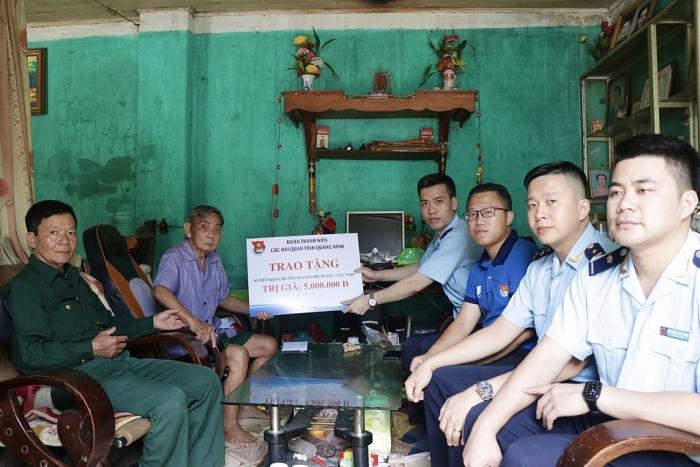Thanh niên Hải quan Quảng Ninh tri ân các cựu thanh niên xung phong