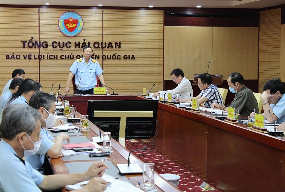 Bí thư Đảng ủy, Tổng cục trưởng Tổng cục Hải quan Nguyễn Văn Cẩn phát biểu chỉ đạo hội nghị. Ảnh: Q.H