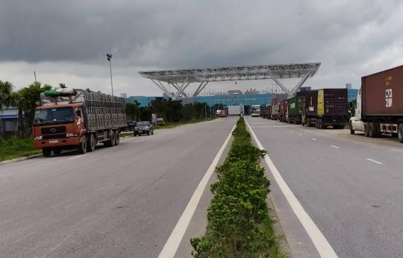 Kim ngạch xuất nhập khẩu qua cửa khẩu Móng Cái tăng 16%