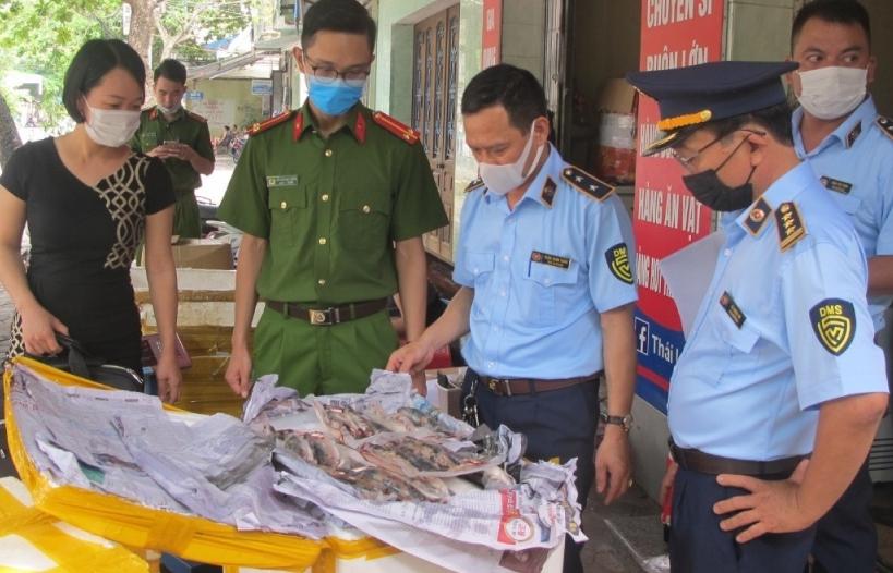 Nam Định: Thu giữ nửa tấn thực phẩm đông lạnh đã ôi thiu