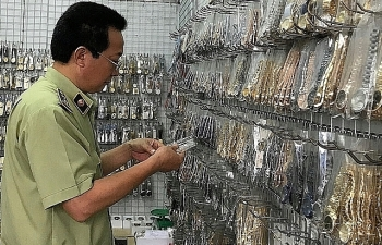 Hà Nội: Tăng cường chống buôn lậu, kinh doanh hàng giả mạo xuất xứ Việt Nam