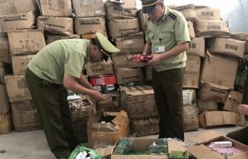 Móng Cái: Thu giữ gần 9.000 sản phẩm mỹ phẩm Trung Quốc nhập lậu