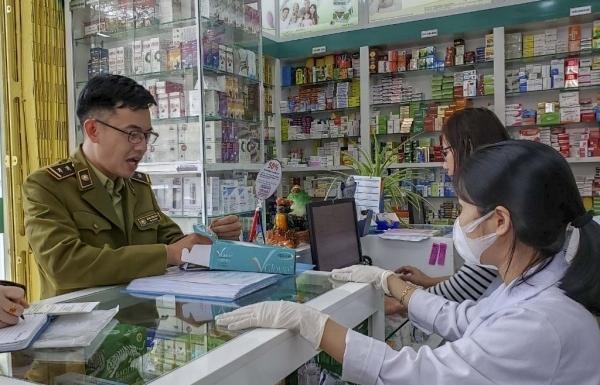 Đà Nẵng: Tạm giữ hơn 99.000 chiếc khẩu trang