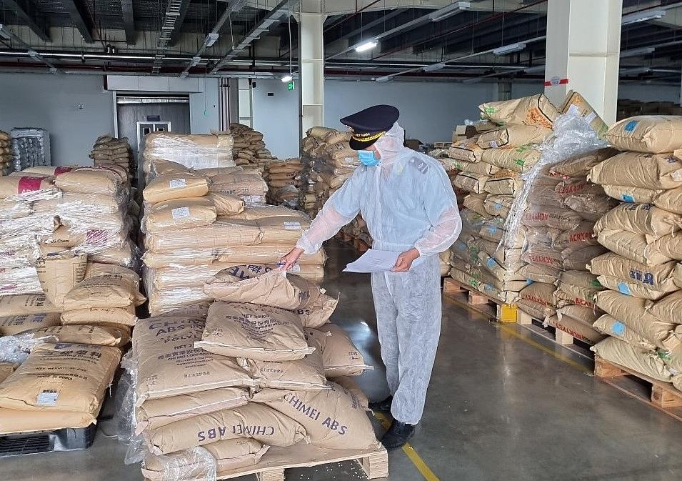 Công tác kiểm tra sau thông quan tại Cục Hải quan Quảng Ninh bị ảnh hưởng do dịch bệnh.