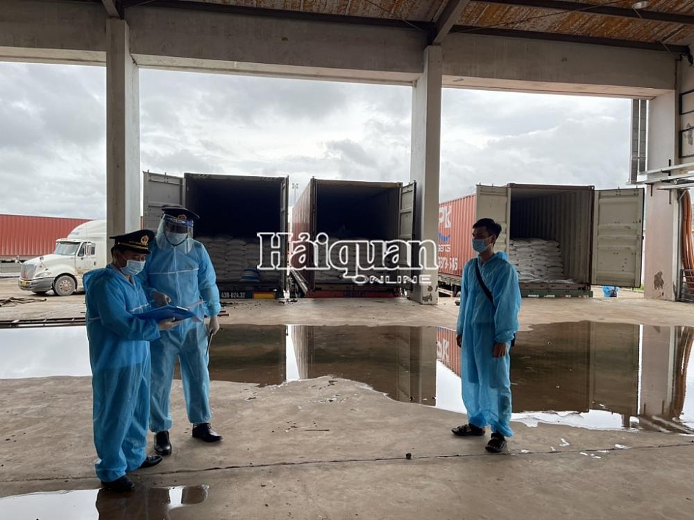 Xuất nhập khẩu hàng hóa qua cửa khẩu Lao Bảo diễn ra ổn định