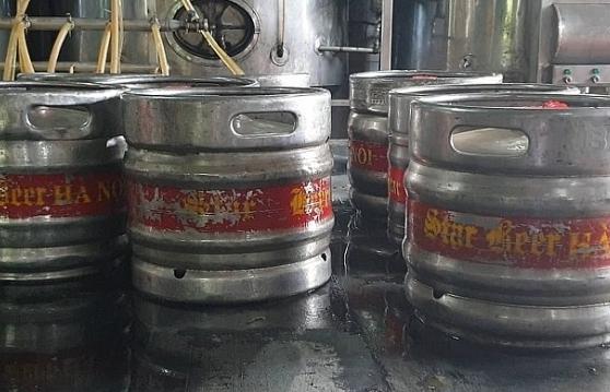 Hà Nội: Phát hiện hàng chục keng bia 'nhái' thương hiệu nổi tiếng