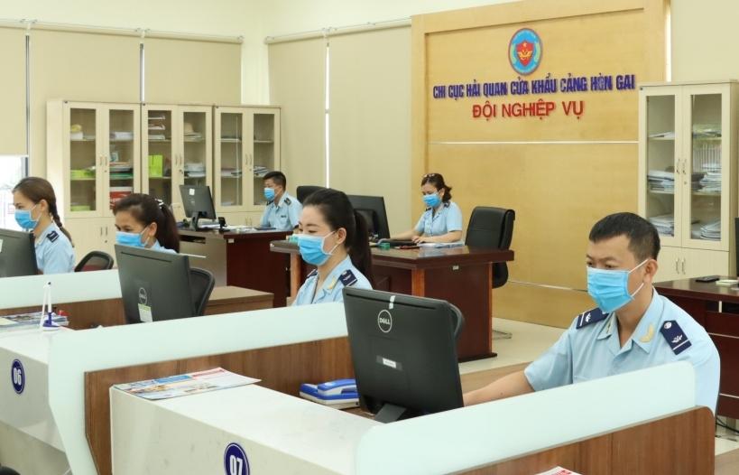 Quảng Ninh: Hơn 1.200 tờ khai được trả kết quả kiểm tra chuyên ngành qua một cửa