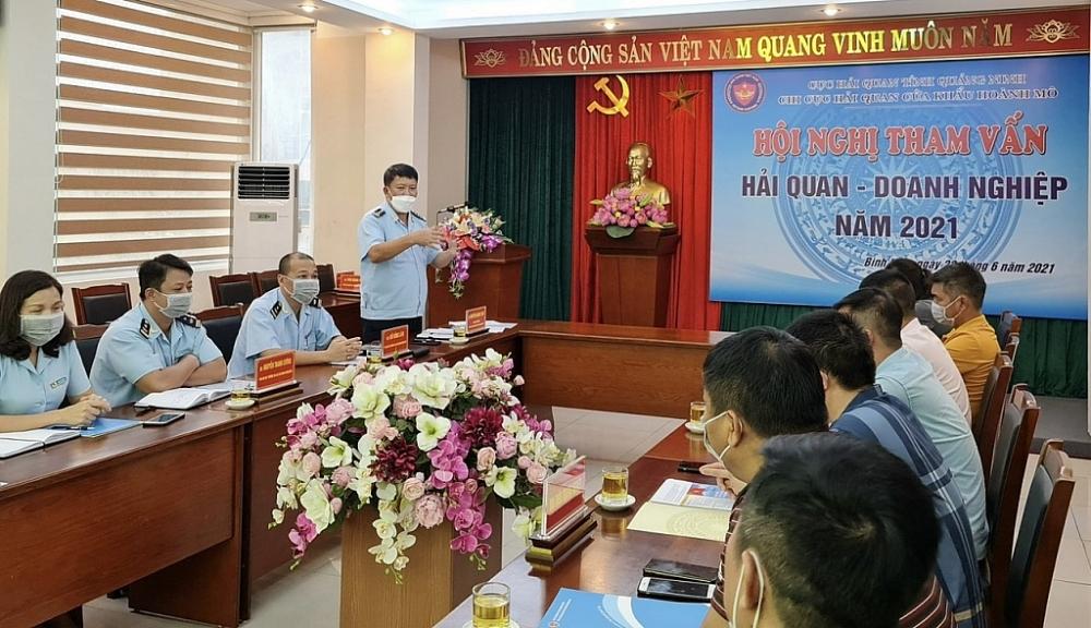 Chi cục HQCK Hoành Mô tổ chức Hội nghị tham vấn HQ-DN năm 2021 nhằm tuyên truyền, hỗ trợ, giải đáp kịp thời khó khăn, vướng mắc cho DN.