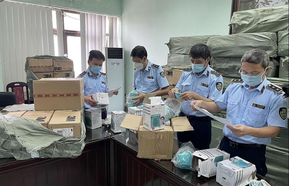 Xử lý nghiêm hành vi sản xuất, buôn bán khẩu trang, găng tay không đảm bảo chất lượng