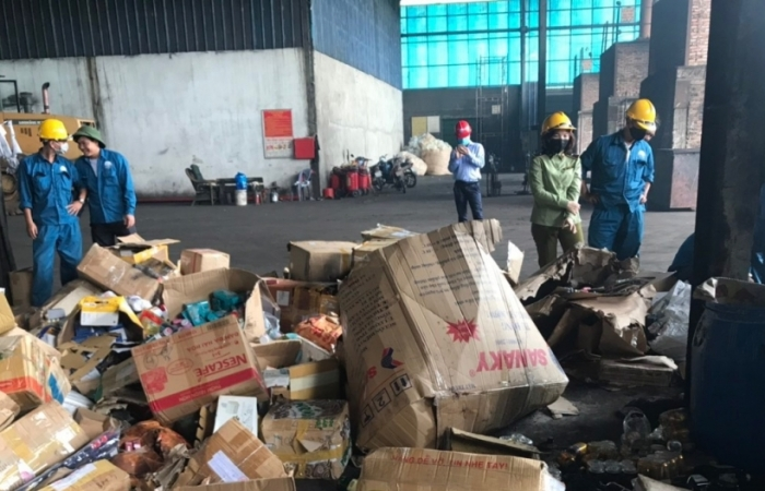 Tiêu hủy hơn 12.500 sản phẩm mỹ phẩm, rượu, thuốc lá