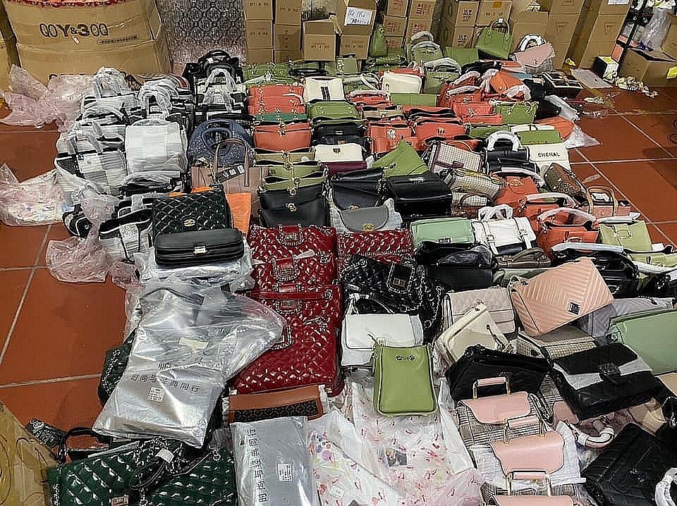 160.897 sản phẩm hàng hóa đã bị thu giữ.
