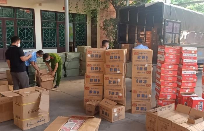 Chặn đứng xe tải chở hơn 4.500 sản phẩm mỹ phẩm nhập lậu
